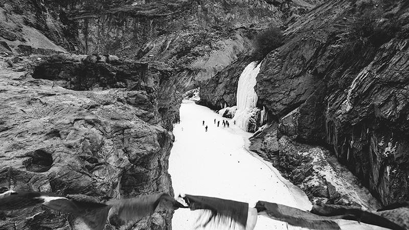 the-frozen-waterfall-nerak-zanskar-ladakh-chadar-sukrit-nagaraj